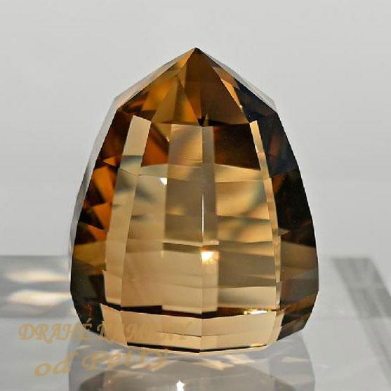Citrín z Moravy 25x22x22mm  Váha: 80.9ct  /VIDEO/